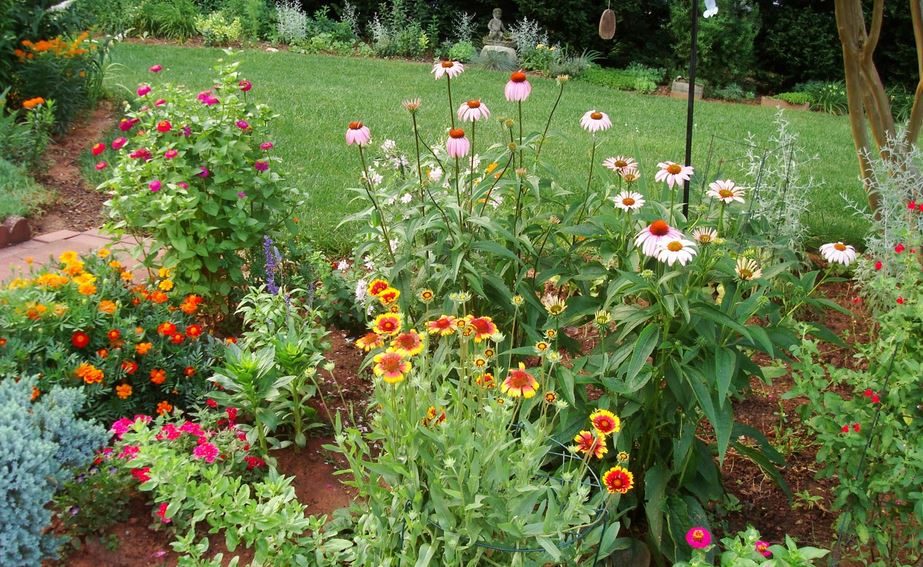 Green thumb tips to create a successful flower bed for Creating a flower bed