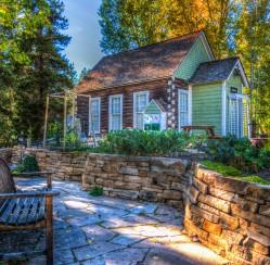 3 Eco-Friendly Alternatives to a Green Lawn
